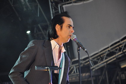 "zweiter albumtrack - Nick Cave & The Bad Seeds: Neues Lyric-Video zu ""Jubilee Street"""